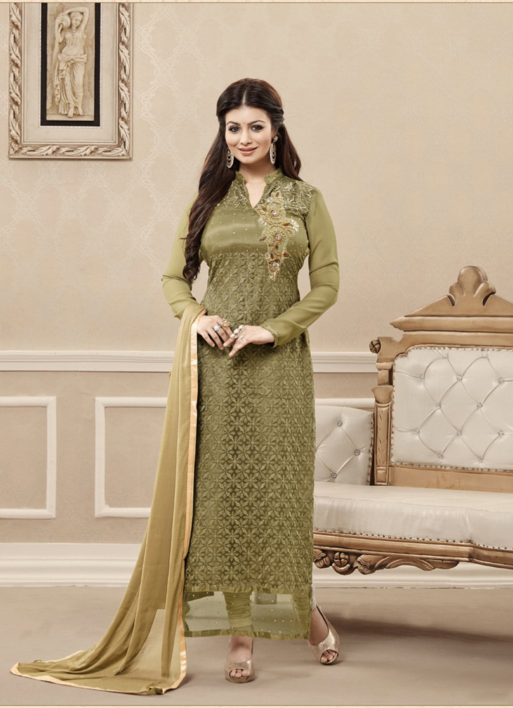 c286a89a528c 25 Latest Trends in Pakistani Party Dresses 2018 - Dresses - Crayon
