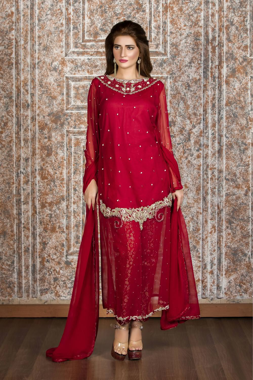 3a9cf58c47 25 Latest Trends in Pakistani Party Dresses 2018 - Dresses - Crayon