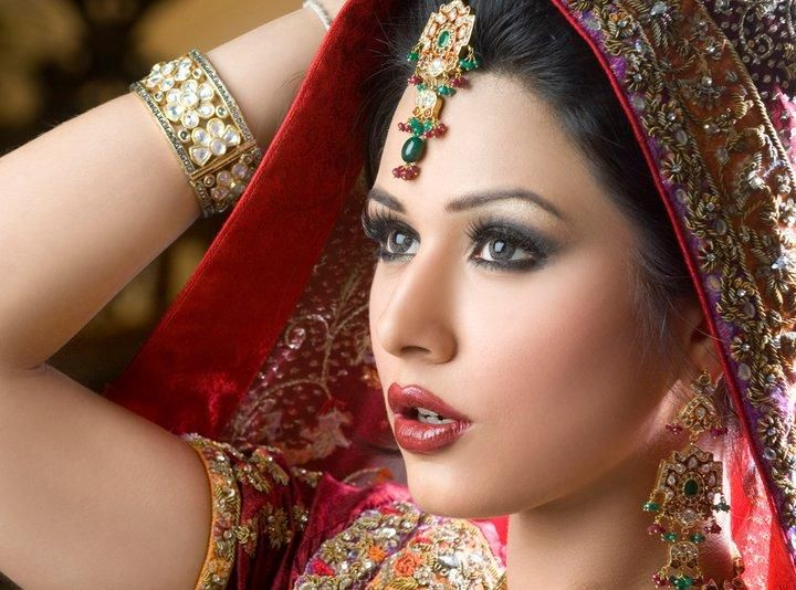Stunning Bridal Eye Makeup Look Ideas