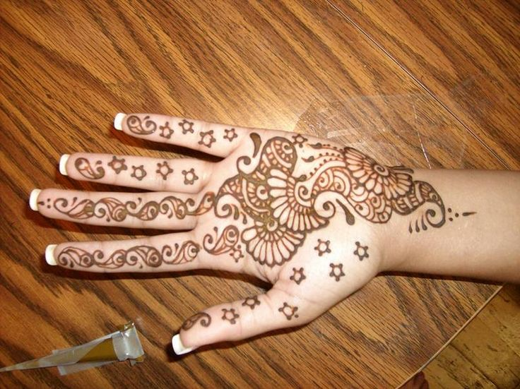 Simple Arabic Henna Designs For Women Crayon