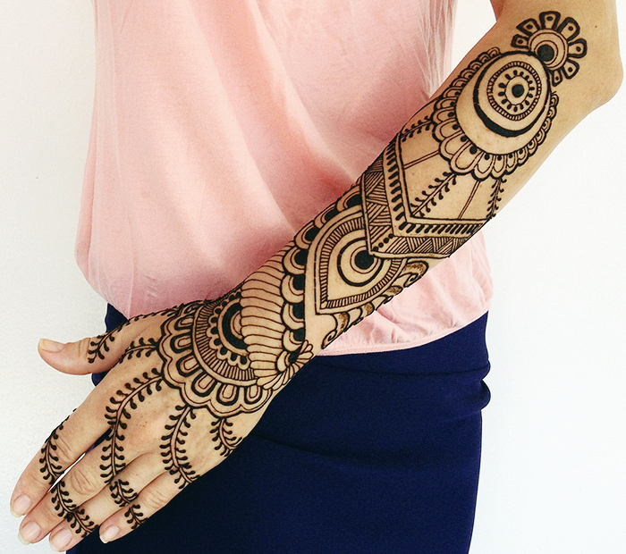 30 Stylish Back Hand Mehndi Designs For Ladies Mehndi Crayon