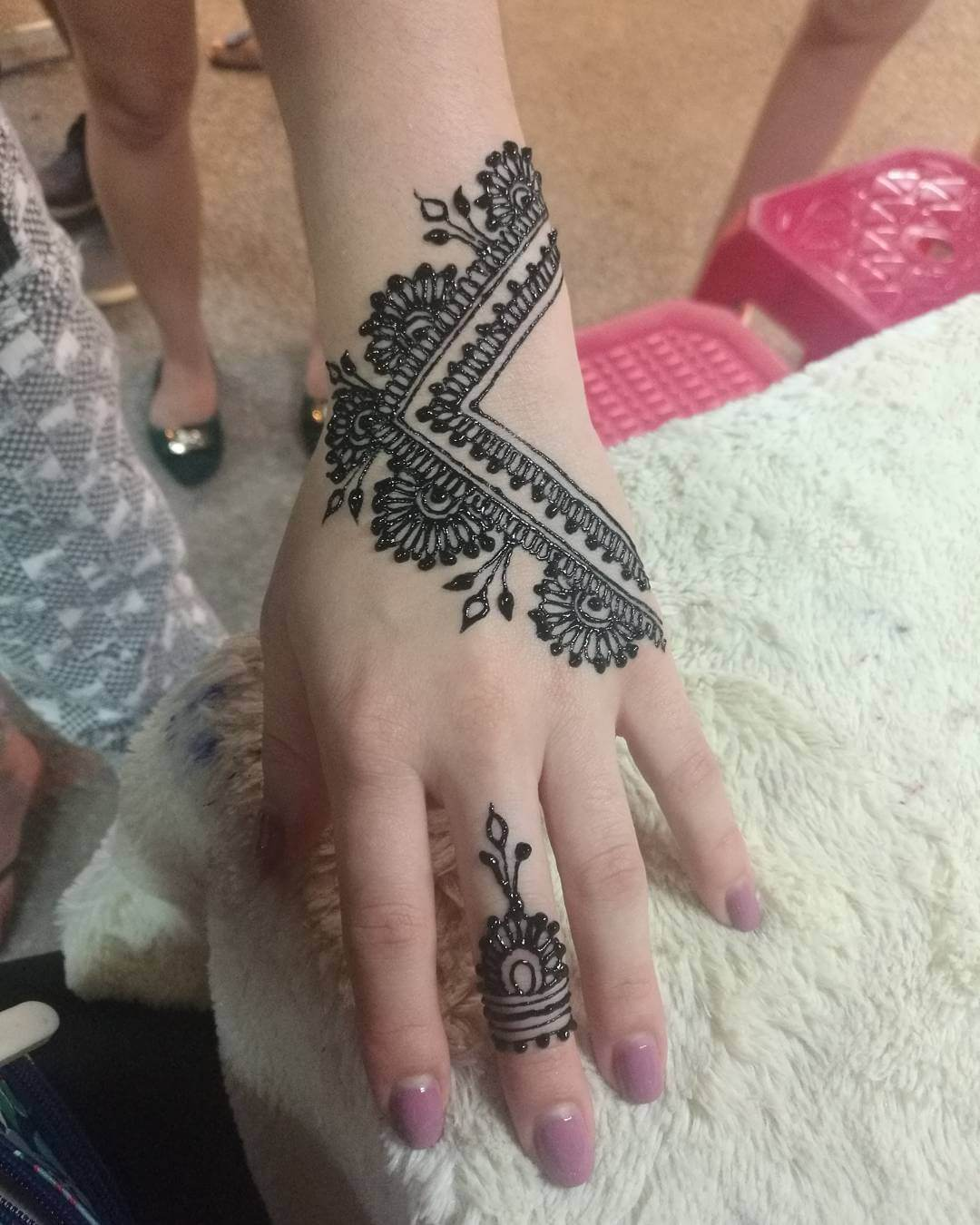 25 Latest Finger Mehndi Designs For 2018 Mehndi Crayon