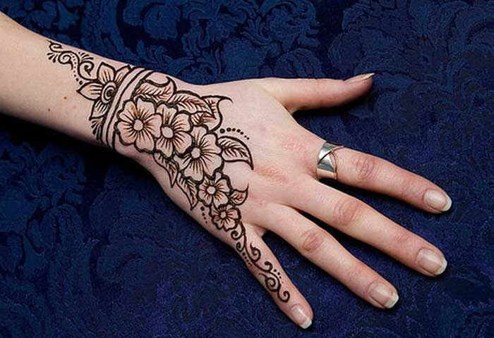 Easy Henna Art Ideas For Back Hand Crayon