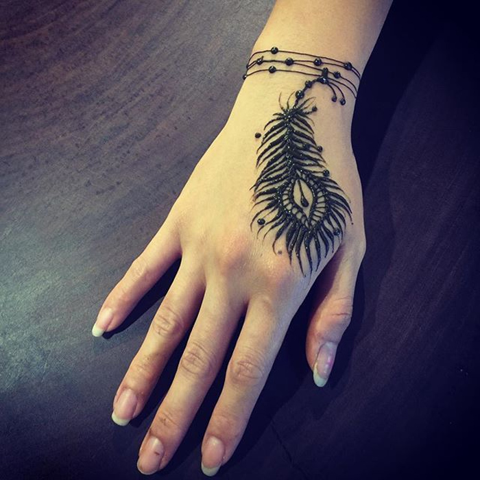 feather henna designs