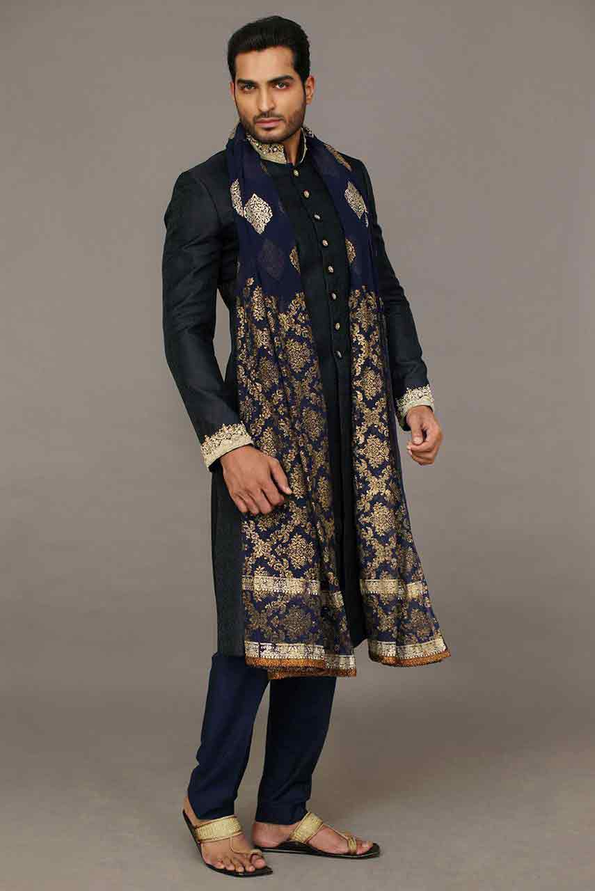 Mehndi Mens Dress : Mehndi dress with embroidered dupatta crayon