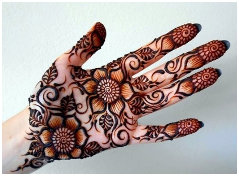 25 Latest Mehndi Designs For Girls 2019 Mehndi Crayon