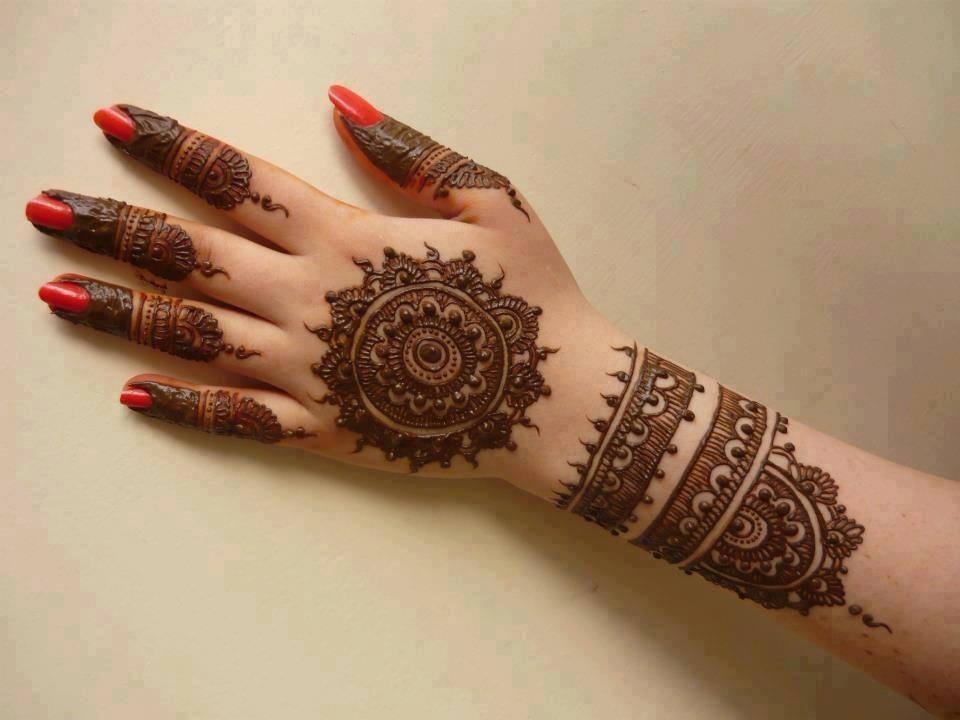 Elegant Bridal Mehndi Designs : Beautiful modern mehndi designs crayon