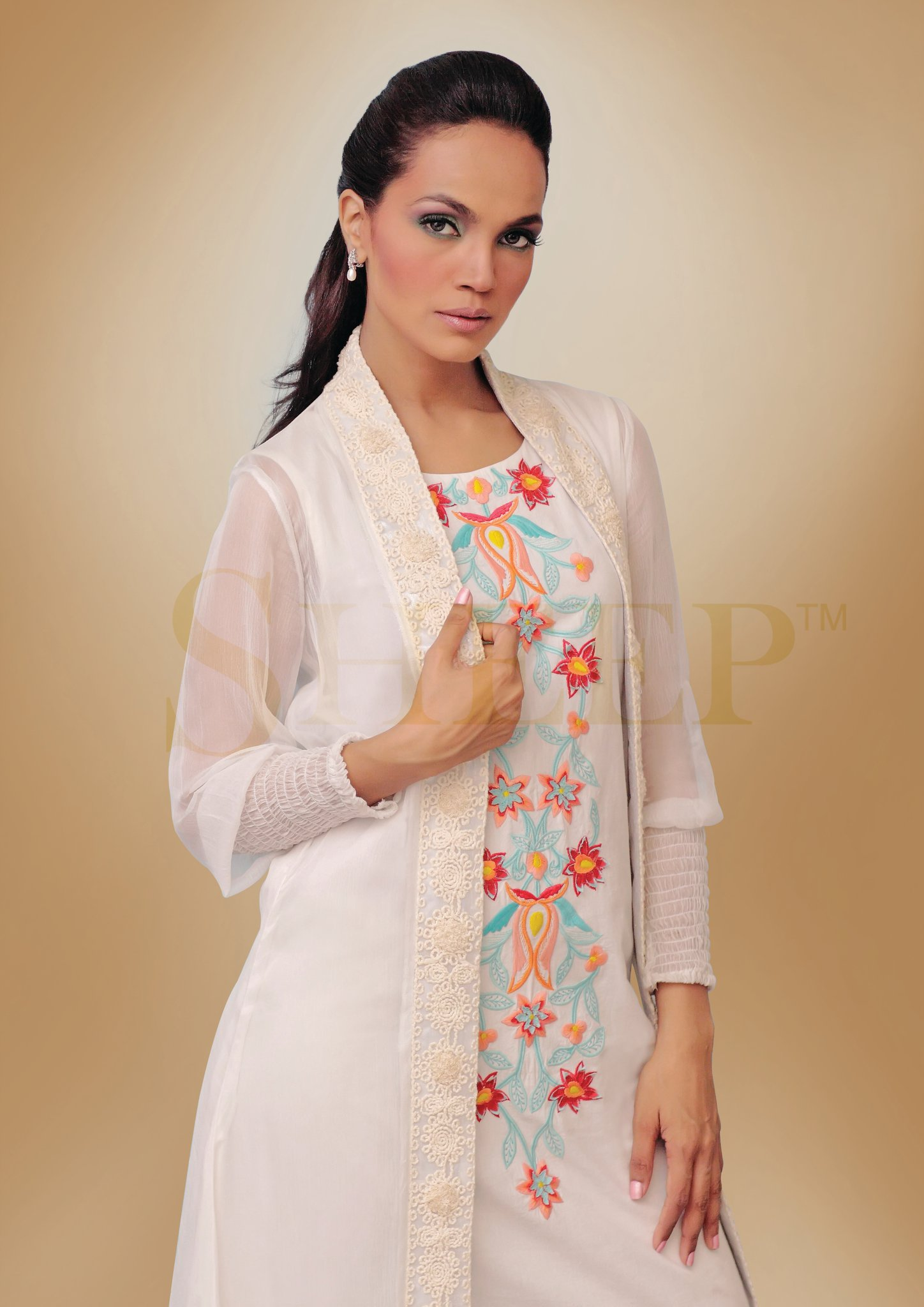 Ladies White Casual Wear Dresses Crayon