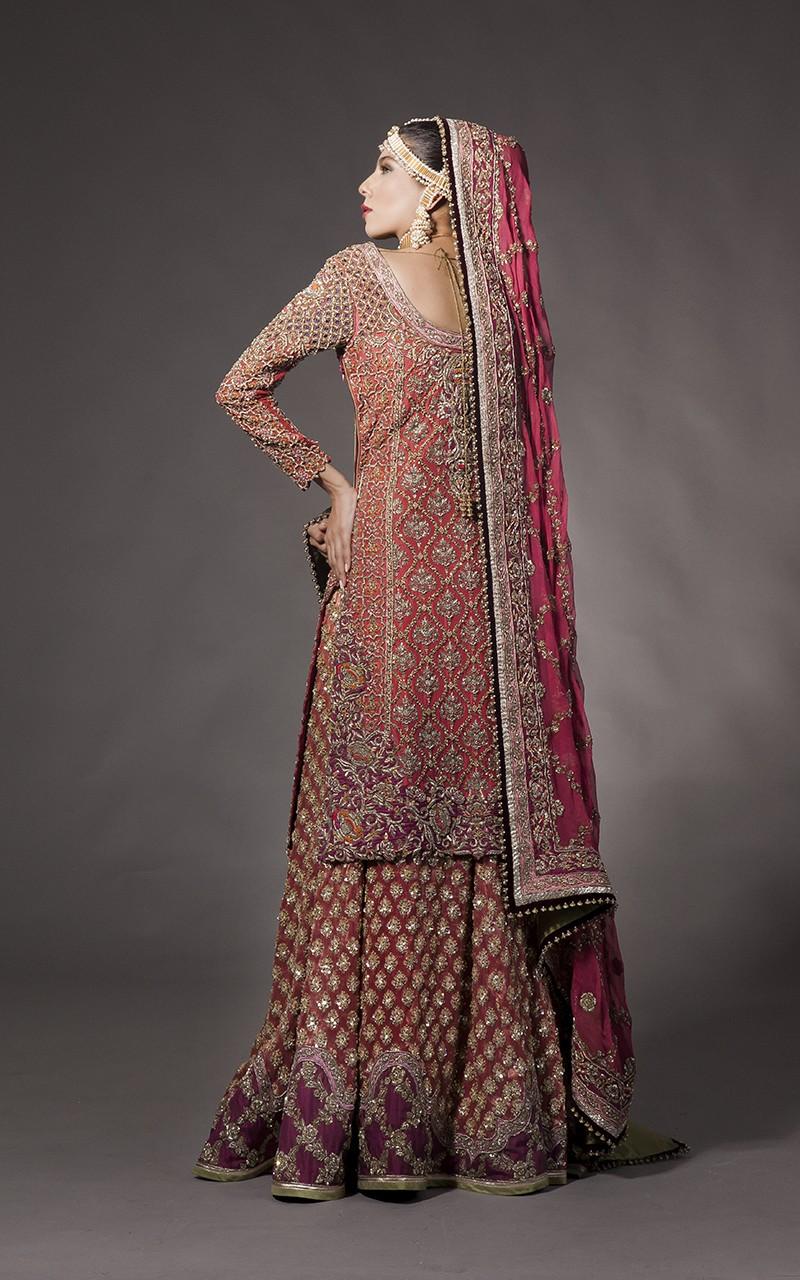 d585e5afe84 15 Latest Pakistani Bridal Lehenga Designs 2018 - Dresses - Crayon