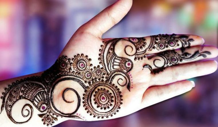 15 Stylish Glitter Mehndi Designs Mehndi Crayon