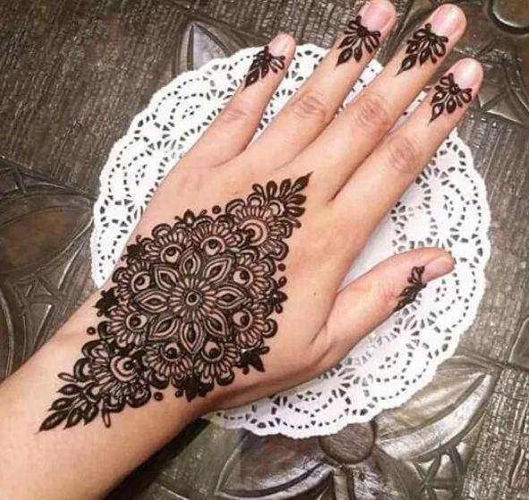 Best Mehndi Tiki Designs