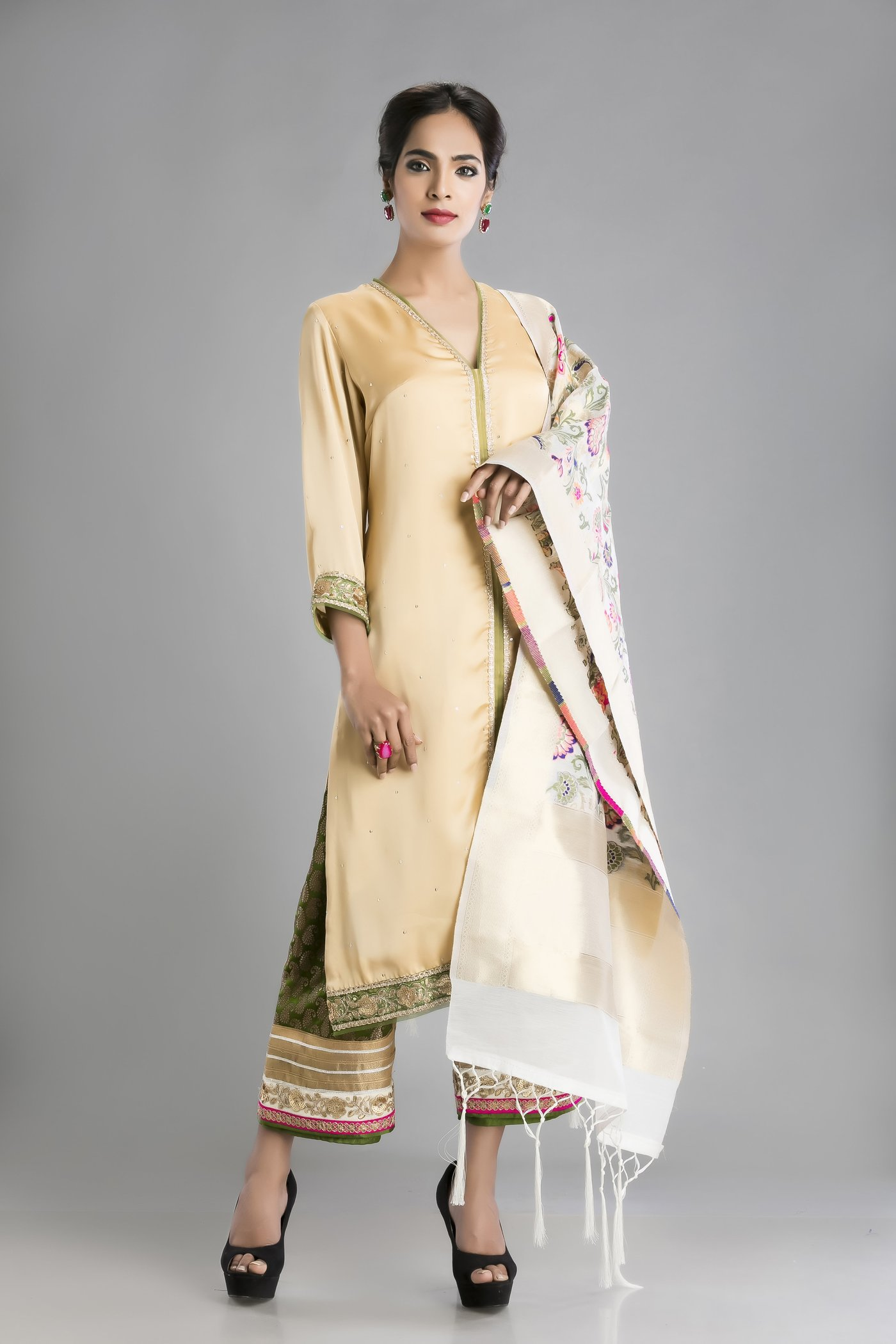 Kurti Designs for Pakistani Girls