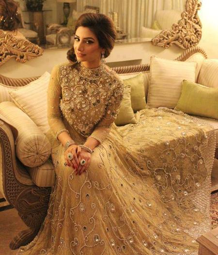 19 Best Engagement Dresses For Pakistani Girls