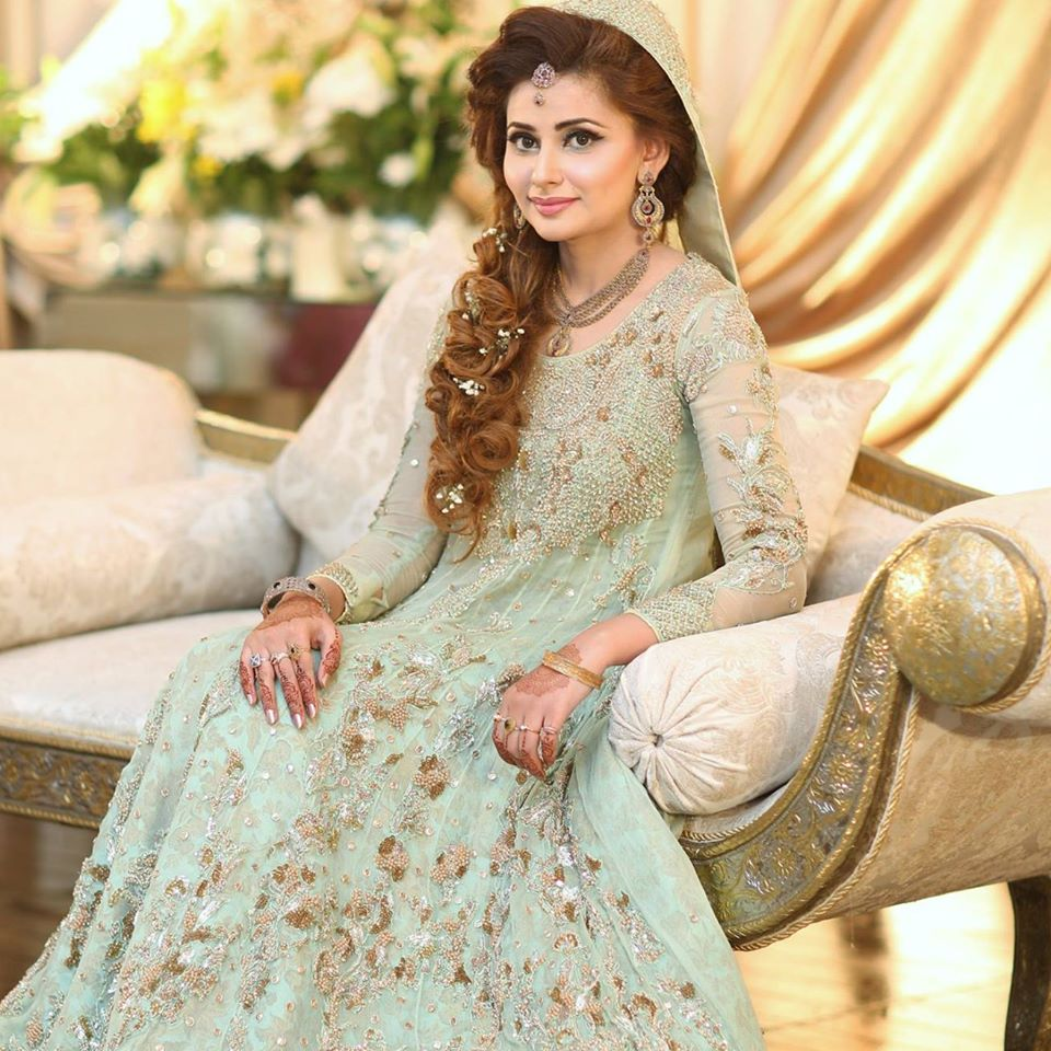 b84d84faf6 19 Best Engagement Dresses For Pakistani Girls - Dresses - Crayon