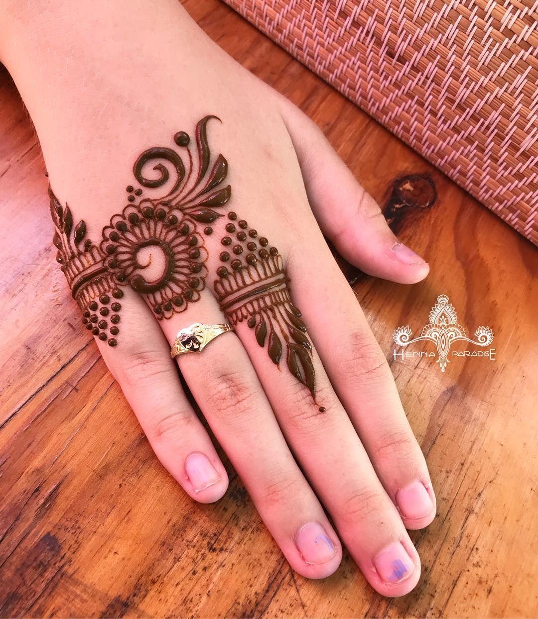 Top 15 Engagement Mehndi Designs Mehndi Crayon