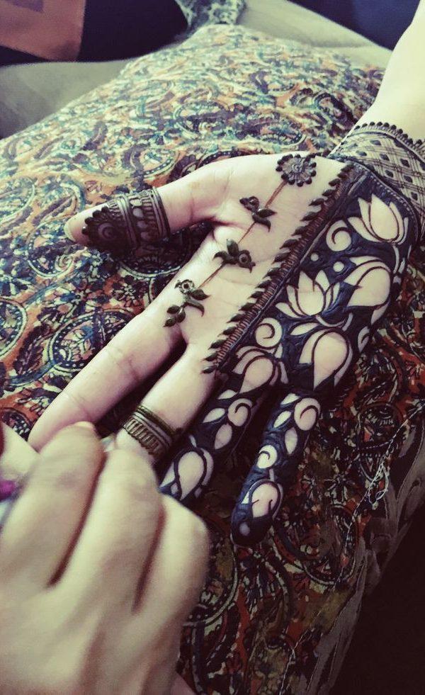 18 Best Lotus Style Eid Mehndi Designs Pictures Crayon